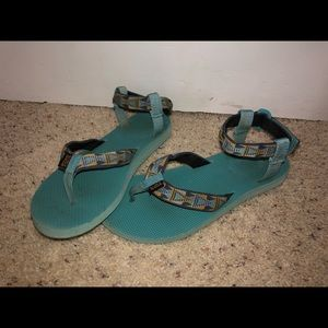 Teva flip flop with ankle strap size 10 blue/green